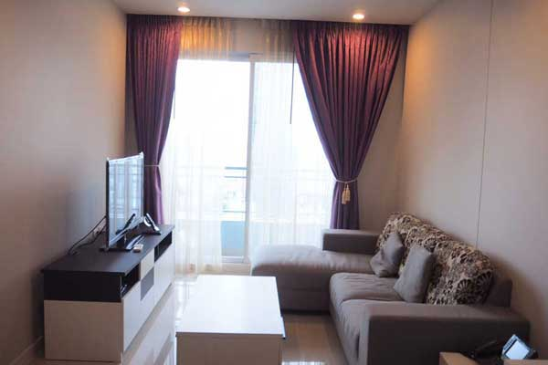 Circle-1-rent-1br-0817-feat